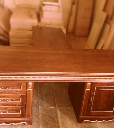 Стол письменный из массива дуба