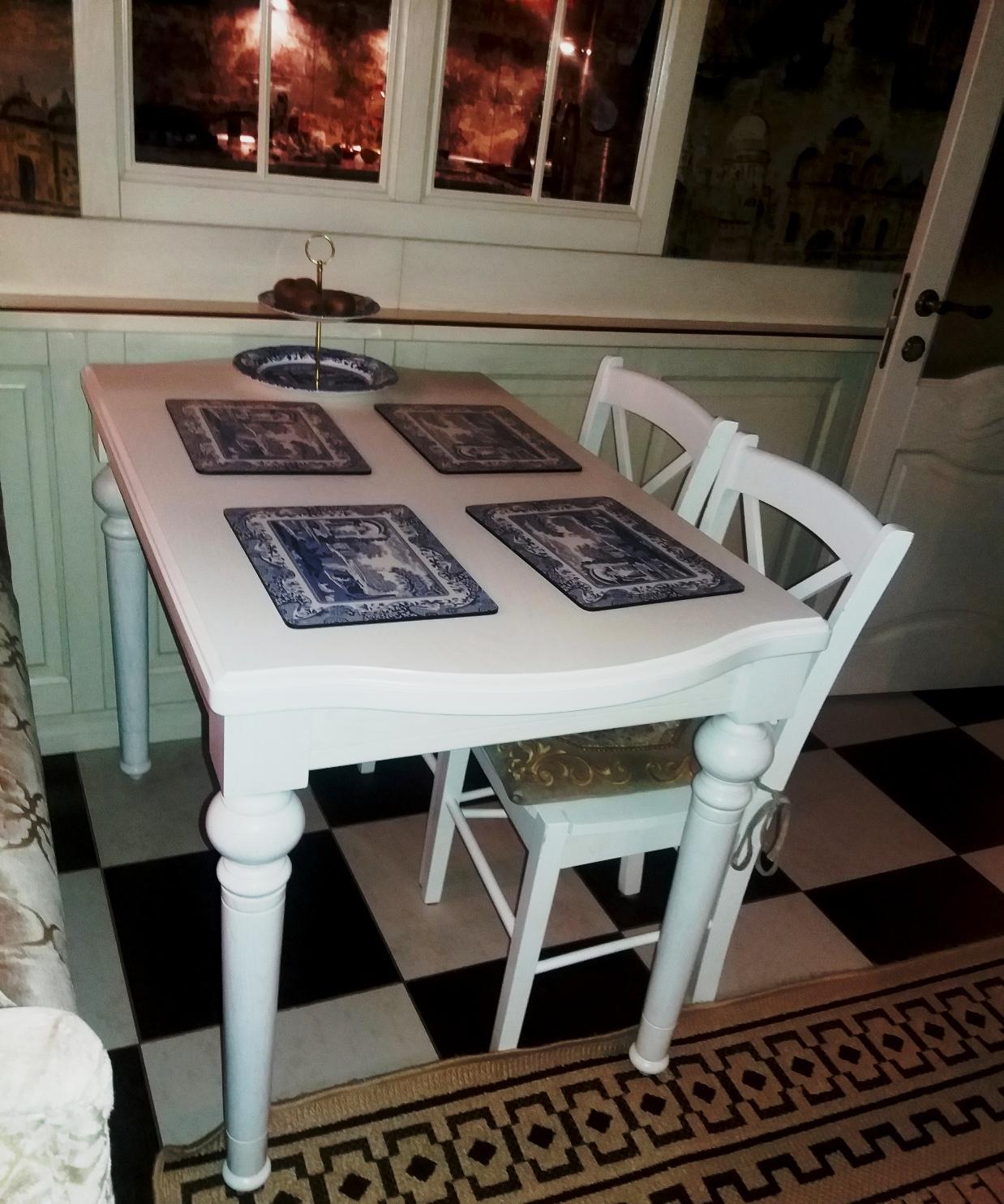 Стол обеденный в итальянском стиле