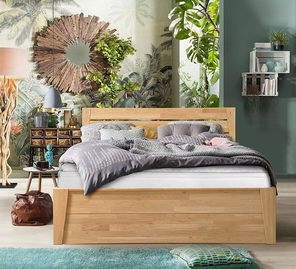 Кровать Даника из массива дуба