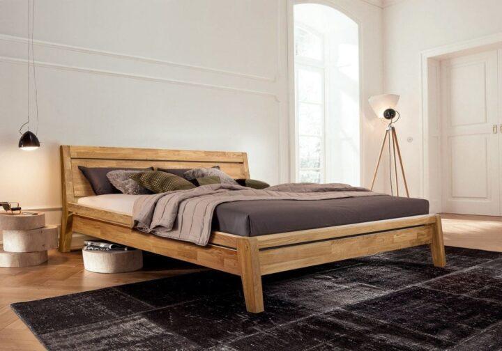 Кровать Бриджит из массива дуба