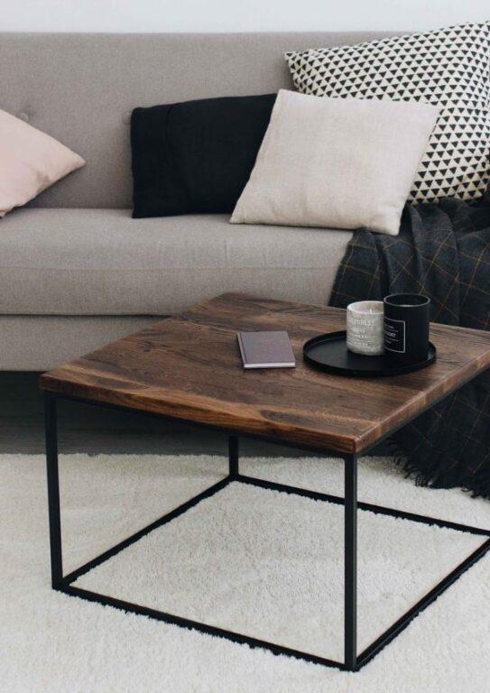 Стол журнальный из дуба в стиле Лофт